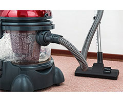 https://pixabay.com/en/vacuum-cleaner-carpet-cleaner-657719/
